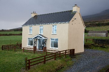 Self-Catering, holiday accommodation, B and B, Dingle, Dingle Peninsula, surfing, Castlegregory, Kerry